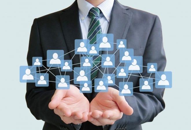 デジタルトランスフォーメーションを推進する組織編成の4つのパターン